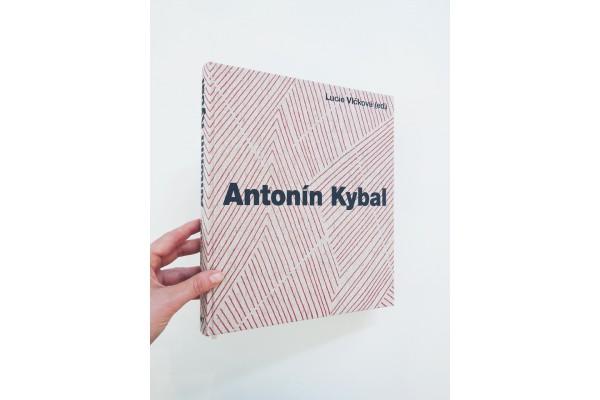 Antonín Kybal / Cesty designu a textilní tvorby – Lucie Vlčková (ed.)