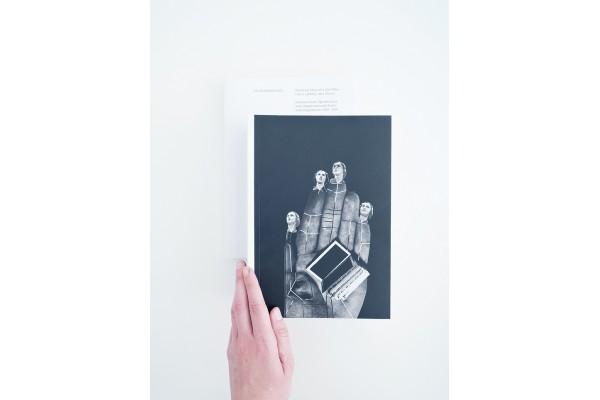 Obrazový atlas dívky, která rozřezala knihovnu na části – Eva Koťátková
