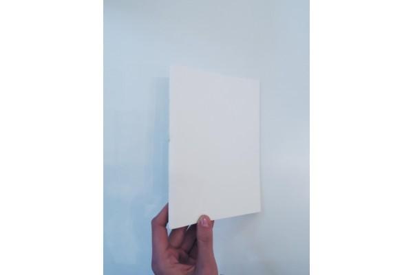 Za bookem- sešit A5 bílý, nelinkovaný